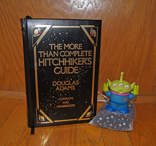 Hitchhiker's-Guide-Alien