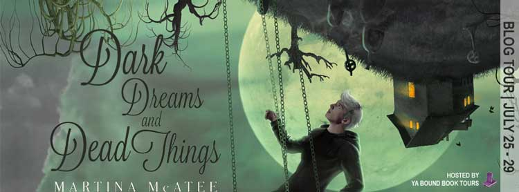 Dark Dreams and Dead Things by Martina McAtee - Review & Giveaway